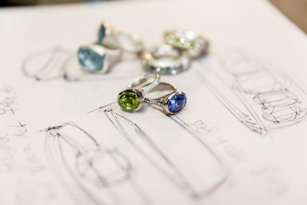 szkic i biżuteria