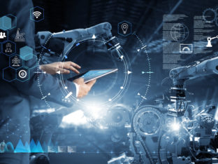 inżynier i robot