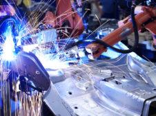 roboty w fabryce
