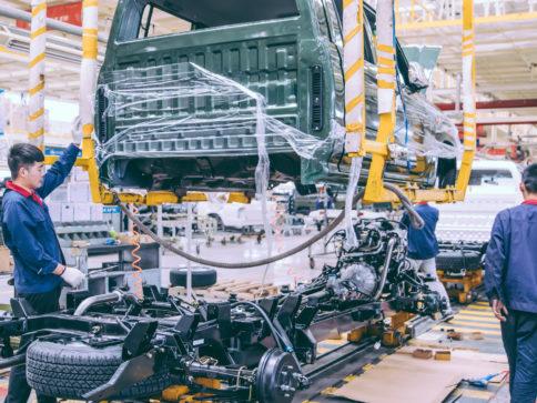 fabryka motoryzacyjna