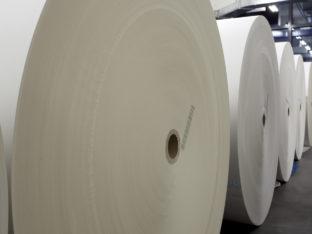 papier nawinięty na gilzy